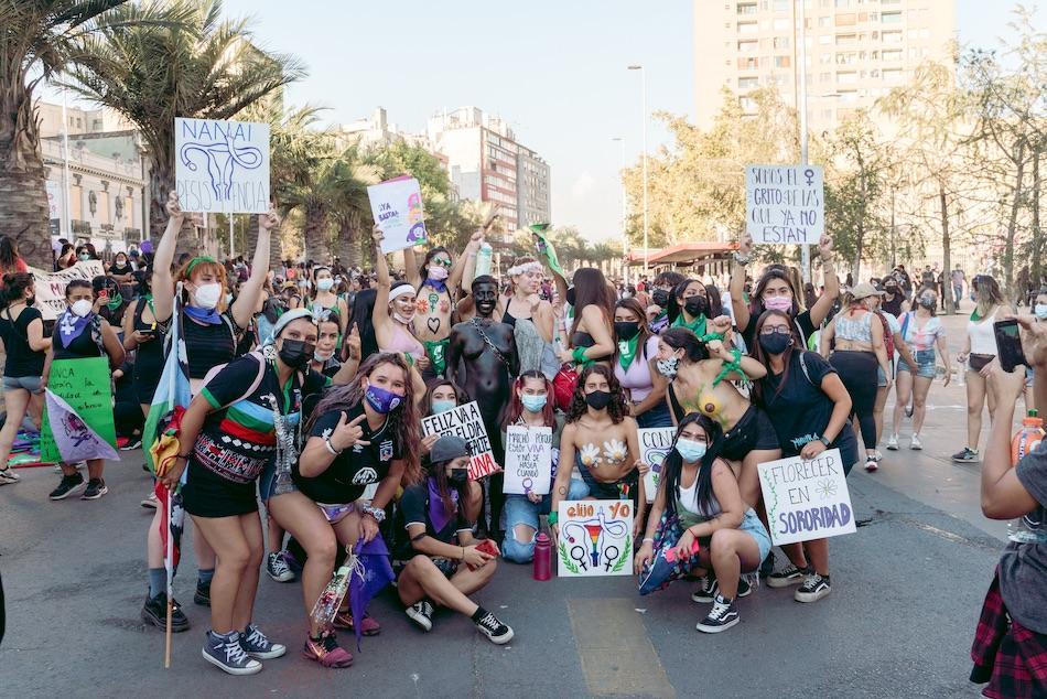 Miles de mujeres conmemoraron el 8M en todo Chile