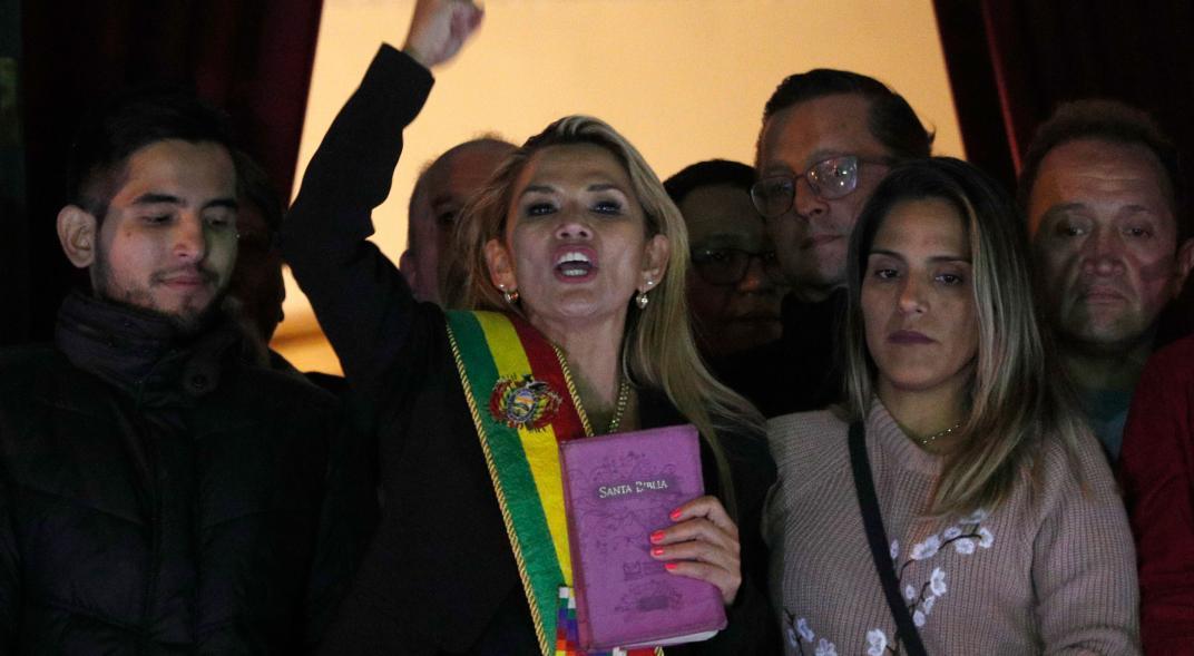Orden de captura contra expresidenta de Bolivia Jeanine Áñez