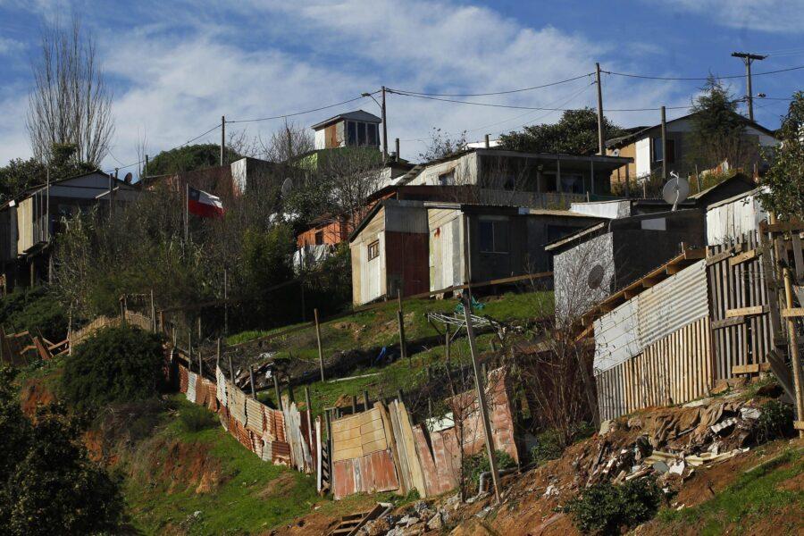 El explosivo aumento de campamentos en Chile